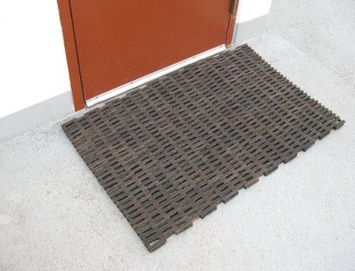 """Recycled Tire Link Mats 30"""" x"""